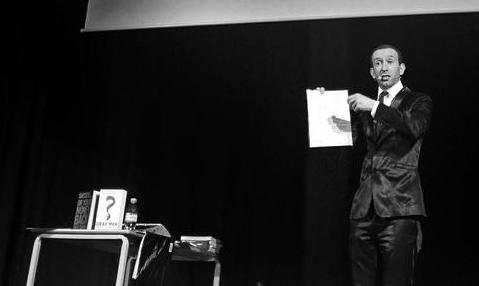 Shed Simove motivational speaker Presenting